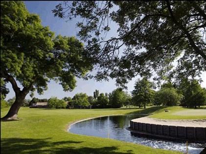 golf bordeaux lac la jalle s jour de golf en france golf bordeaux. Black Bedroom Furniture Sets. Home Design Ideas
